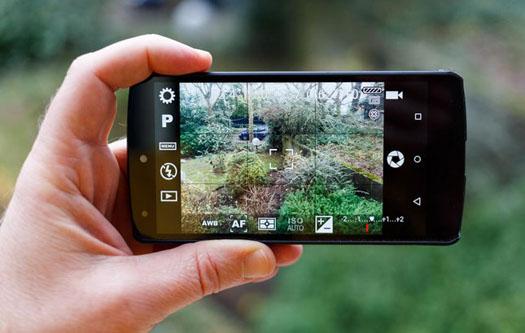 Smartphone Setara Dengan DSLR